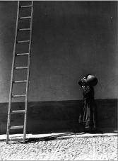 Una escalera grande. 1930
