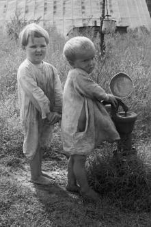 Children of sharecropper, North Carolina, 1935 Arthur Rothstein