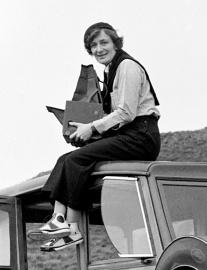 Dorothea_Lange_1936_portrait