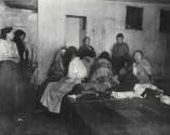 Alojamiento para mujeres en la estaicón de policía de Eldridge Street. c1880-90. Jacob Riis