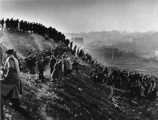 Cyclo-cross in Gentilly Robert Doisneau, 1947