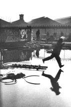 Henri Cartier-Bresson (1908-2004) Detrás de la Gare Saint-Lazare, 1932