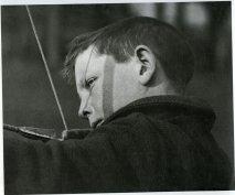 1929 Niño arquero © André Kértesz