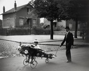 Papa's Airplane, 1934 Robert Doisneau