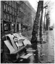 robert-doisneau-robert-doisneau-la-maison-de-carton-1957-paris