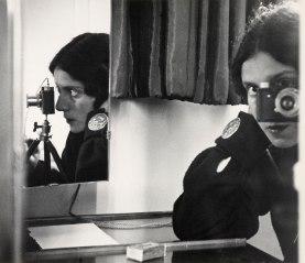 Ilse Bing. Autorretrato con espejos. (1931)
