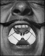 Dali-Mustache-by-Philippe-Halsman-15
