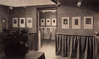 """La famosa """"Gallery 921"""" de Alfred Stieglitz, donde Strand encontraría el trabajo de los pictorialistas."""