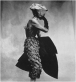 irving_penn_oscarenfotos_17Irving-Penn-Balenciaga-Dress-1950