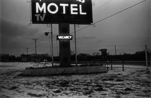 william_eggleston_before_color_18