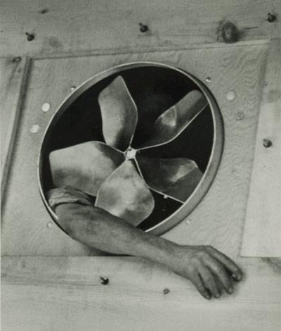 andre_kertesz_surrealism