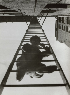 fire_escape_with_a_man_1925_c_a_rodchenko_v_stepanova_archive_moscow_house_of_photography_museum