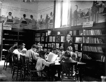"""""""La biblioteca complementa a la escuela; en muchos casos la sustituye y en todos los casos la supera"""". José Vasconcelos."""