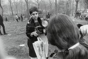 Diane Arbus (fotografiada por Garry Winogrand)