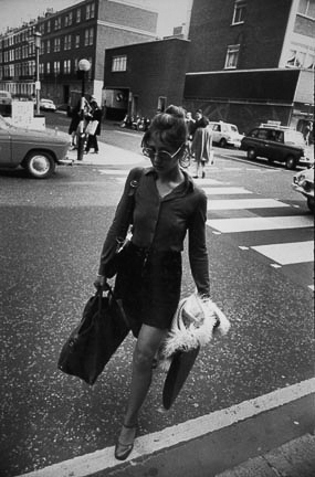 Garry_Winogrand_Untitled, from the %22Women are Beautiful%22 portfolio14_4