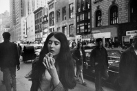 NY 1969_Garry_Winogrand_Women_Are_Beautiful_77