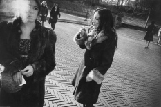 Untitled from Women are Beautiful1968_2_Garry_Winogrand_Women_Are_Beautiful_103