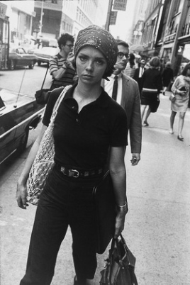 Untitled from Women are Beautiful_1968_5_Garry_Winogrand_Women_Are_Beautiful_104