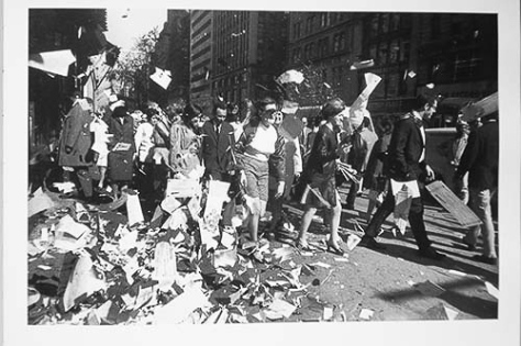 Garry_Winogrand_mess_14