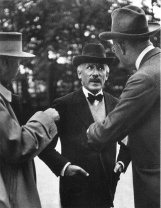 Alfred_Eisenstaedt_retrato_Arturo Toscanini with R.Wagner's Grandson Wieland