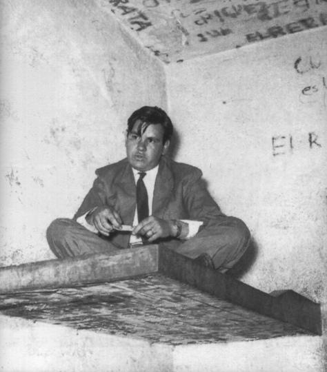 Fotógrafo no identificado. Héctor García detenido en la Sexta Delegación de Policía (Ciudad de México, 1959)