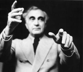 Héctor García. El compositor y director de orquesta Carlos Chavez (1957)