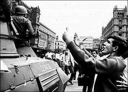 Héctor García. Zócalo de la Ciudad de México (1968)