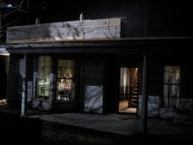 gregory_crewdson_beneath_the_roses_8