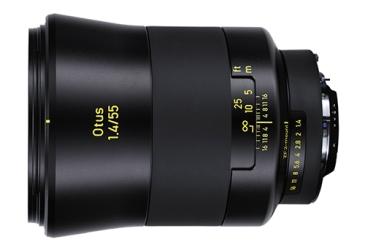 Carl Zeiss Otus 55mm f/1.4 Este bebé cuesta 3.500€