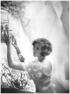 cecil_beaton_nancy_beaton_1932