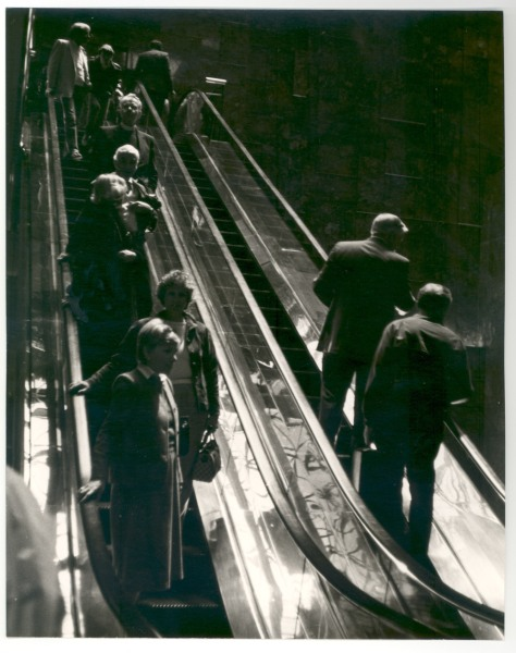 andy_warhol_People On Escalators, 1984
