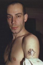 Kenny con un tatuaje. New York City. 1980