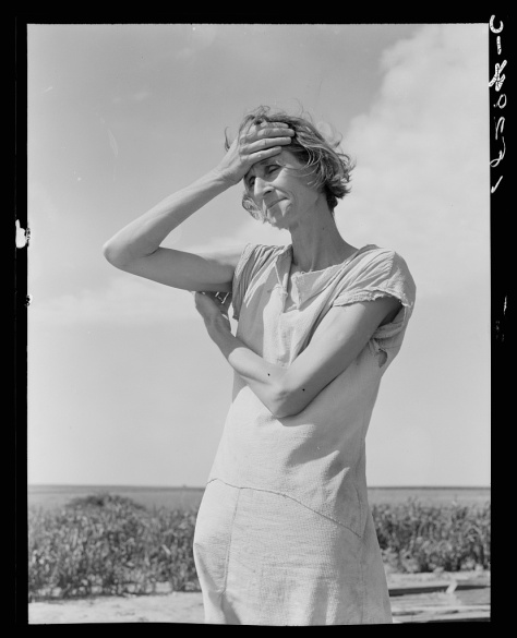 dorothea_lange_Wife of a migratory laborer with three children. Near Childress, Texas. Nettie Featherston-jun1938