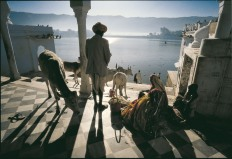 INDIA. Rajasthan. A temple on the shore of the sacred pushkar lake. 1988.
